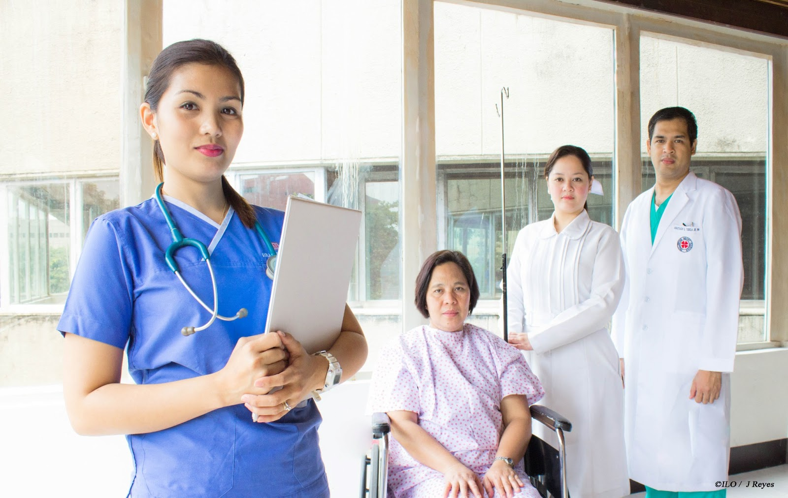 Filipina_nurse.jpg